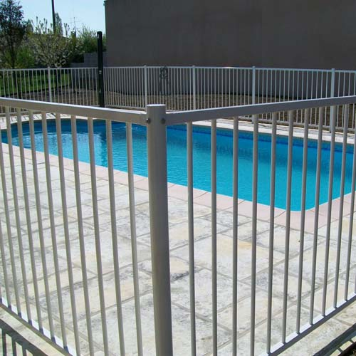Barri re de piscine barri re longue cloture longue for Barriere de piscine